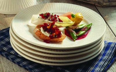 Beet & Gorgonzola-Stuffed Endive